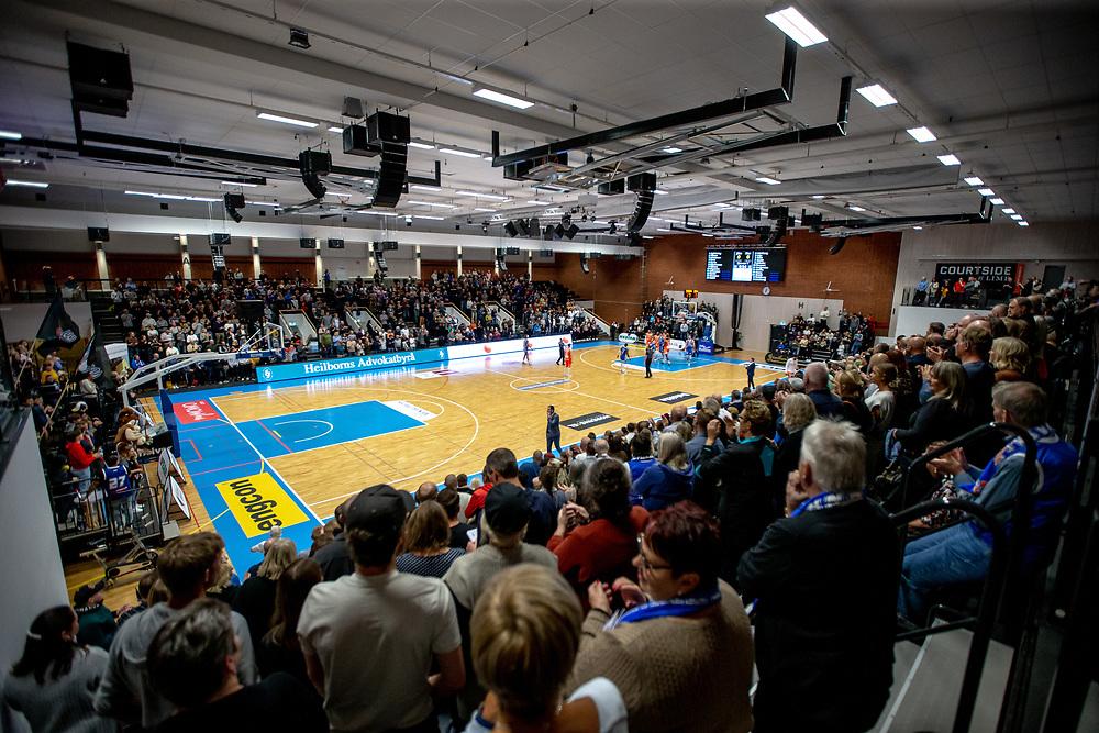 ÖSTERSUND 20211007<br /> Fullsatt Sporthall under torsdagens match i basketligan mellan Jämtland Basket och Norrköping Dolphins.<br /> Foto: Per Danielsson / Projekt.P