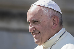 September 21, 2016 - Vatican City, Vatican - Pope Francis smiles as he leaves at the end of his Weekly General Audience in St. Peter's Square in Vatican City, Vatican. (Credit Image: © Giuseppe Ciccia/Pacific Press via ZUMA Wire)
