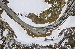 THEMENBILD - ein Auto auf der Strasse . Die Hochalpenstrasse verbindet die beiden Bundeslaender Salzburg und Kaernten und ist als Erlebnisstrasse vorrangig von touristischer Bedeutung, aufgenommen am 27. Mai 2020 in Heiligenblut, Österreich // a car drives on the road. The High Alpine Road connects the two provinces of Salzburg and Carinthia and is as an adventure road priority of tourist interest, Heiligenblut, Austria on 2020/05/27. EXPA Pictures © 2020, PhotoCredit: EXPA/ JFK