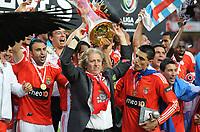 20100509: LISBON, PORTUGAL - SL Benfica vs Rio Ave: Portuguese League 2009/2010, 30th round. In picture: L-R  Carlos Martins, coach Jorge Jesus, Oscar Cardozo and Angel Di Maria. PHOTO: Alvaro Isidoro/CITYFILES