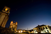 Mariana_MG, Brasil...Praca Minas Gerais, com as igrejas de Sao Francisco de Assis, Nossa Senhora do Carmo e a Camara Municipal em Mariana...Minas Gerais square, with Sao Francisco de Assis church and Nossa Senhora do Carmo church and Municipal Chamber in Mariana...Foto: LEO DRUMOND / NITRO.