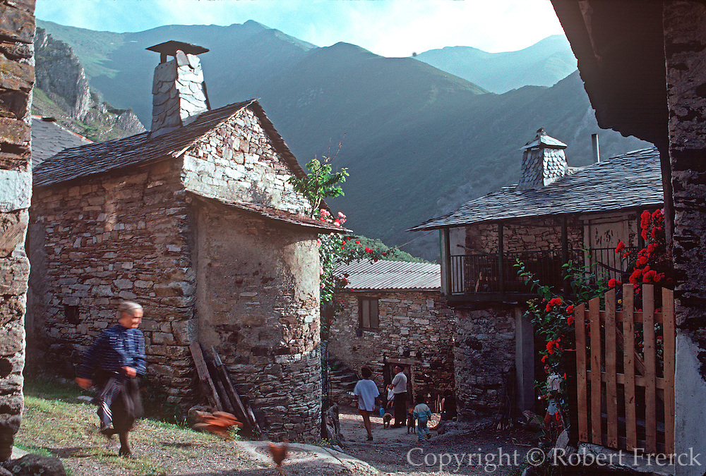 SPAIN, CASTILE AND LEON stone homes in Penalba de Santiago, an isolated mountain village on the Route of  Santiago, south of Ponferrada
