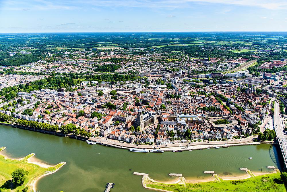 Nederland, Overijssel, Deventer, 17-07-2017; overzicht binnenstad Deventer met o.a. Lebuinusker, IJsselkade, Welle.<br /> Overview downtown Deventer, Deventer city centre.<br /> <br /> luchtfoto (toeslag op standard tarieven);<br /> aerial photo (additional fee required);<br /> copyright foto/photo Siebe Swart