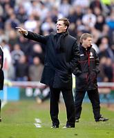 Photo: Jed Wee.<br /> Middlesbrough v Newcastle United. The Barclays Premiership. 09/04/2006.<br /> <br /> Newcastle caretaker manager Glenn Roeder.