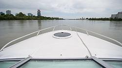 THEMENBILD - Bootfahrt auf der Donau und Donaukanal in Wien. das Bild wurde am  30. Juli 2012 aufgenommen. im Bild Motorboot Bug auf der Donau // THEME IMAGE FEATURE - boating on danube and danubechannel in vienna. The image was taken on july, 30, 2012. Picture shows bow of a ship on danube, AUT, EXPA Pictures © 2012, PhotoCredit: EXPA/ M. Gruber