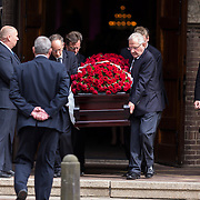 NLD/Laren/20130102 - Uitvaart John de Mol Sr., kist met bloemen