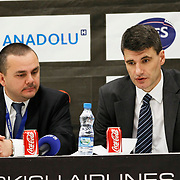 Efes Pilsen's coach Velimir PERASOVIC (R) during their Turkish Airlines Euroleague Basketball Top 16 Group G Game 6 match Efes Pilsen between Partizan at Sinan Erdem Arena in Istanbul, Turkey, Thursday, March 03, 2011. Photo by TURKPIX