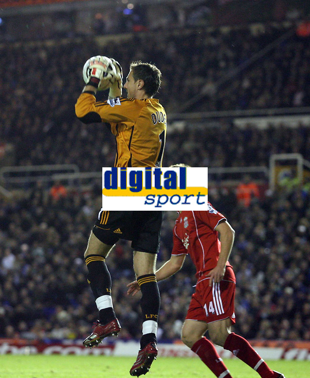 Photo: Rich Eaton.<br /> <br /> Birmingham City v Liverpool. Carling Cup. 08/11/2006. Jerzy Dudek Liverpool goalkeeper catches a cross