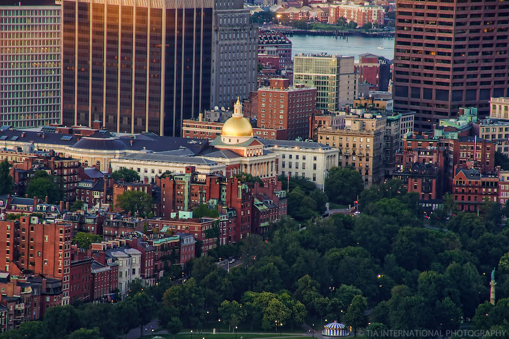 Massachusetts State House & Boston Common