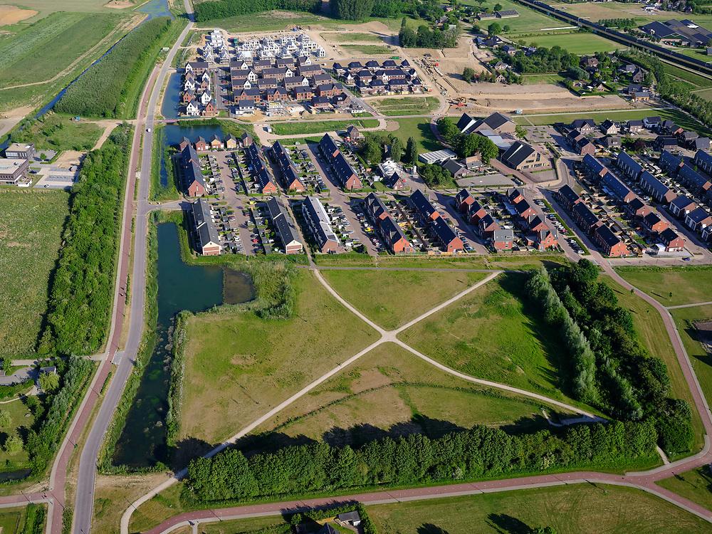 Nederland, Gelderland, Gemeente Zevenaar, 14–05-2020; Groot Holthuizen, nieuwe woonwijk in het oosten van Zevenaar. Autoluwe wijk<br /> Groot Holthuizen, new residential area in the east of Zevenaar. Low-traffic neighborhood.<br /> luchtfoto (toeslag op standaard tarieven);<br /> aerial photo (additional fee required)<br /> copyright © 2020 foto/photo Siebe Swart