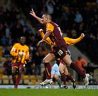 Photo: Jed Wee.<br />Bradford City v Tranmere Rovers. The FA Cup.<br />06/11/2005.<br /><br />Bradford's Dean Windass celebrates.