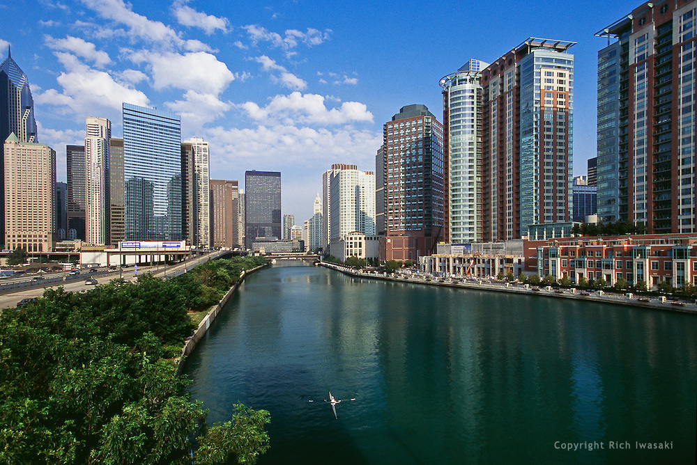 View of River East district with Chicago River and city skyline, Chicago, Illinois