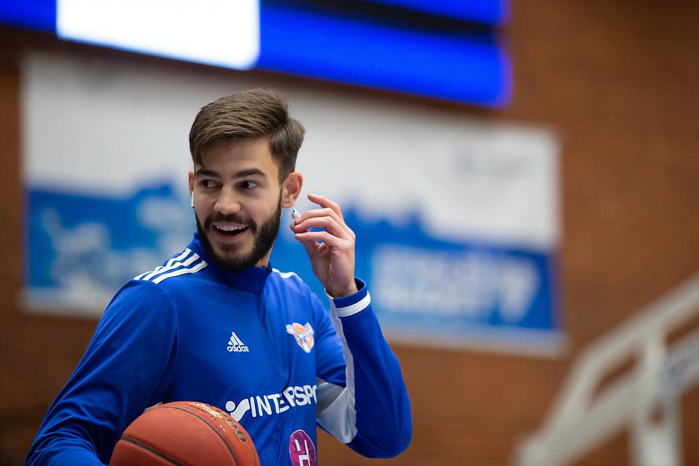 ÖSTERSUND 20210924<br /> Jämtlands Anes Zekovic under fredagens match i Basketligan mellan Jämtland Basket och Nässjö Basket i Östersunds Sporthall<br /> <br /> Foto: Per Danielsson/Projekt.P