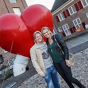 """NLD/Zeist/20131103 - CD presentatie Gordon """" Liefde overwint alles """", Thomas Berge en partner Myrthe Milius"""