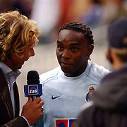 NLD/Amsterdam/20050731 - LG Amsterdam Tournament 2005, Hans Kraaij Jr. interviewt Benny McCarthy