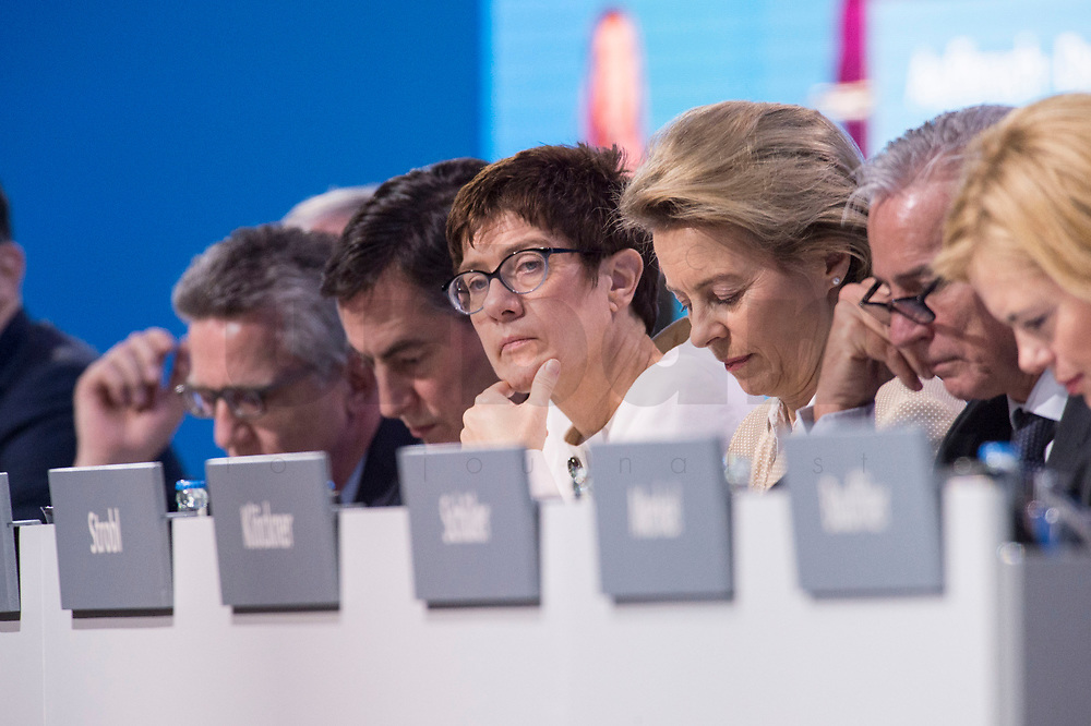 26 FEB 2018, BERLIN/GERMANY:<br /> Thomas de Maiziere, CDU, scheidender Bundesinnenminister, David McAllister, CDU, MdEP, Annegret Kramp-Karrenbauer (M), CDU, desig. Generalsekraetrin, Ursula von der Leyen, CDU, Bundesverteidigungsministerin, Thomas Strobl, CDU Landesvorsitzender Baden-Wuerttemberg, und Julia Kloeckner, CDU Landesvorsitzende Rheinland-Pfalz, (v.L.n.R.), waehrend der Rede von Angela Merkel, CDU, Bundeskanzlerin, CDU Bundesparteitag, Station Berlin<br /> IMAGE: 20180226-01-026<br /> KEYWORDS: Party Congress, Parteitag