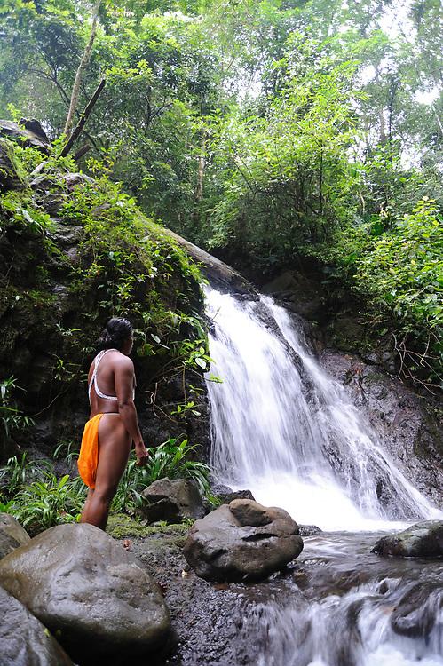 Indígenas emberá / comunidad indígena emberá, Panamá.<br /> <br /> Edición de 5 | Víctor Santamaría.