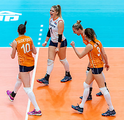 20-10-2018 JPN: Final World Championship Volleyball Women day 18, Yokohama<br /> China - Netherlands 3-0 / Kirsten Knip #1 of Netherlands, Maret Balkestein-Grothues #6 of Netherlands