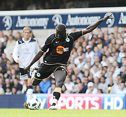 28.08.2010, White Hart Lane, London, ENG, PL, Tottenham Hotspur vs Wigan Athletic, im Bild Action with Mohamed Diamé, EXPA Pictures © 2010, PhotoCredit: EXPA/ IPS/ D. Cawthorne*** ATTENTION *** UK AND FRANCE OUT! / SPORTIDA PHOTO AGENCY