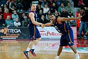 DESCRIZIONE : Varese Lega A 2013-14 Cimberio Varese Acea Virtus Roma<br /> GIOCATORE : Jimmy Baron Jordan Taylor<br /> CATEGORIA : Ritratto Esultanza<br /> SQUADRA : Acea Virtus Roma<br /> EVENTO : Campionato Lega A 2013-2014<br /> GARA : Cimberio Varese Acea Virtus Roma<br /> DATA : 12/01/2014<br /> SPORT : Pallacanestro <br /> AUTORE : Agenzia Ciamillo-Castoria/G.Cottini<br /> Galleria : Lega Basket A 2013-2014  <br /> Fotonotizia : Varese Lega A 2013-14 Cimberio Varese Acea Virtus Roma<br /> Predefinita :