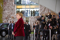 November 17, 2016 - Berlin, Germany - Bundeskanzlerin Angela Merkel empfaengt den US-Praesidenten Barack_Obama am 17.11.2016 im Bundeskanzleramt. Mit einem Kuss auf die Wange haben sich der scheidende US-Praesident Barack Obama und Bundeskanzlerin Angela Merkel begruesst. | German Chancellor Angela Merkel welcomes the US President Barack_Obama on 17/11/2016 at the Federal Chancellery. With a kiss on the cheek, the outgoing US President Barack_ Obama and Chancellor Angela Merkel have welcomed..Credit: Stocki/face to face (Credit Image: © face to face via ZUMA Press)