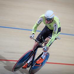 APELDOORN (NED) wielrennen<br /> Dion Beukeboom is in Apeldoorn Nederlands kampioen op de individuele achtervolging geworden. De renner van Parkhotel Valkenburg bleef in de finale Milan Broer voor.<br /> Het brons ging naar Rens Tulner. De drie waren in de kwalificatie ook in die volgorde geëindigd. Beukeboom was in 2014 ook Nederlands kampioen op dit onderdeel, maar verloor vorig jaar van Wim Stroetinga. Die ontbrak dit maal.