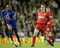Fotball<br /> Premier League 2004/05<br /> Liverpool v Arsenal<br /> 28. november 2004<br /> Foto: Digitalsport<br /> NORWAY ONLY<br /> Liverpool's Dietmar Hamann and Arsenal's Patrick Viera