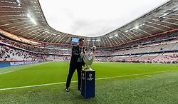 03.05.2016, Allianz Arena, Muenchen, GER, UEFA CL, FC Bayern Muenchen vs Atletico Madrid, Halbfinale, Rueckspiel, im Bild ein Steward mit dem Siegespokal der UEFA Champions League // a steward with the winner's cup of UEFA Champions League during the UEFA Champions League semi Final, 2nd Leg match between FC Bayern Munich and Atletico Madrid at the Allianz Arena in Muenchen, Germany on 2016/05/03. EXPA Pictures © 2016, PhotoCredit: EXPA/ JFK
