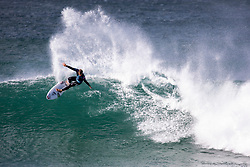 American Connor Coffin won R1 H8 at the Corona Open J-Bay.