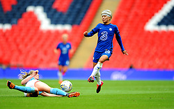 Gemma Bonner of Manchester City Women tackles Ji So-Yun of Chelsea Women - Mandatory by-line: Nizaam Jones/JMP - 29/08/2020 - FOOTBALL - Wembley Stadium - London, England - Chelsea v Manchester City - FA Women's Community Shield