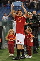 Premiazione di Francesco Totti per i 206 gol nella Roma<br /> Roma vs Sampdoria<br /> Campionato di Calcio serie A<br /> Stadio Olimpico, Roma, 22/05/2011<br /> Photo Antonietta Baldassarre Insidefoto