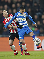 (L-R) Jorrit Hendrix of PSV, Younes Namli of PEC Zwolle during the Dutch Eredivisie match between PSV Eindhoven and PEC Zwolle at the Phillips stadium on February 03, 2018 in Eindhoven, The Netherlands