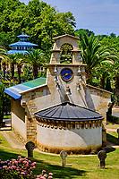 France, Pyrénées-Atlantiques (64), Pays-Basque, Cambo-les-Bains, l'établissement thermal, l'eglise // France, Pyrénées-Atlantiques (64), Basque Country, Cambo-les-Bains, the thermal baths, the church