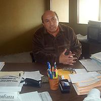 """Toluca, Mex.- Juan de Dios Bringas Enríquez, presidente de la Agrupación de Comerciantes del Valle de Toluca, aseguró que Marco A. Macín, dirigente de """"México Nuestro Compromiso"""", utiliza la marcha """"Iluminemos México"""" (a realizarce en la ciudad el próximo sábado), para ganar votos a favor del PAN. Agencia MVT / Luis Enrique Hernandez V. (DIGITAL)<br /> <br /> <br /> <br /> NO ARCHIVAR - NO ARCHIVE"""