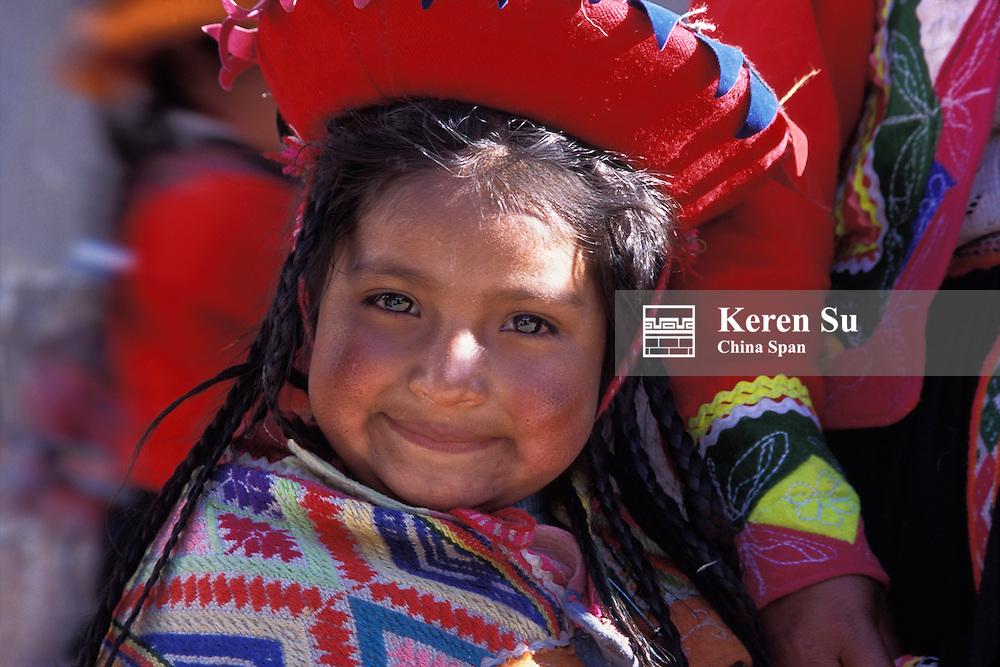 Portrait of a little Indian girl (MR), Cuzco, Peru