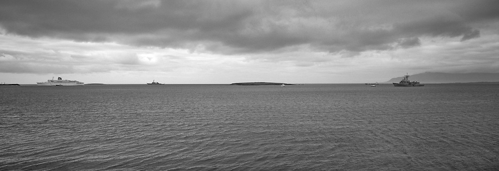 Battle ships in Reykjavik harbour - Herskip í Reykjavíkurhöfn