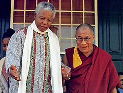 Jan 12, 1996; Cape Town, SOUTH AFRICA; South African President NELSON MANDELA and Buddhist Spiritual leader the Dalai Lama meet in Cape Town.  (Credit Image: © Sasa Kralj/JiwaFoto/ZUMAPRESS.com)