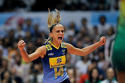 23-08-2009 VOLLEYBAL: WGP FINALS JAPAN - BRAZILIE: TOKYO <br /> Brazilie wint met 3-1 van Japan en zijn de winnaar van de Grand Prix 2009 / Fabiana de Oliveira<br /> ©2009-WWW.FOTOHOOGENDOORN.NL