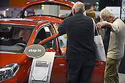 Nederland, Utrecht, 18-9-2013Veel ouderen bezoeken de jaarlijkse 50plus beurs in de jaarbeurshallen. Auto, autos, automarkt, automerk, autoverkoop. 50 plus; beurs; 50 plusbeurs; 50plus; 50plusbeurs; 50-plus; bejaard; bejaarden; besteden; besteding; bestedingen; euro; geld; holland; inkomen; jaarbeurs; leeftijd; nederland; oud; oudere; ouderen; rijk; rijkdom; senior; senioren; vijftig-plus; aow; pensioen; gepensioneerd; gepensioneerden;Foto: Flip Franssen/Hollandse Hoogte