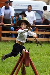 Prova da vaca parada para os piás durante o 12 Rodeio Internacional do Mercosul. FOTO: Jefferson Bernardes/Preview.com