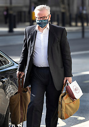 © Licensed to London News Pictures. 05/07/2021. London, UK. Michael Gove, Minister for the Cabinet Office, glasses steam up as he arrives in Whitehall wearing a face mask. Later the prime minister is expected to announce a final lifting of Covid-19 regulations on July 19th including making the wearing of face masks voluntary. Photo credit: Peter Macdiarmid/LNP