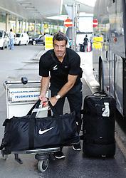 26.05.2010, Flughafen, Graz, AUT, FIFA Worldcup Vorbereitung, Ankunft Neuseeland, im Bild Ryan Nelson, Ankunft des Teams Neuseeland am Flughafen Graz Thalerhof, EXPA Pictures © 2010, PhotoCredit: EXPA/ S. Zangrando / SPORTIDA PHOTO AGENCY
