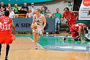 DESCRIZIONE : Siena Lega A 2008-09 Playoff Finale Gara 2 Montepaschi Siena Armani Jeans Milano<br /> GIOCATORE : Rimantas Kaukenas<br /> SQUADRA : Montepaschi Siena<br /> EVENTO : Campionato Lega A 2008-2009 <br /> GARA : Montepaschi Siena Armani Jeans Milano<br /> DATA : 12/06/2009<br /> CATEGORIA : contropiede<br /> SPORT : Pallacanestro <br /> AUTORE : Agenzia Ciamillo-Castoria/G.Ciamillo