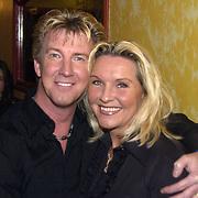 Uitreiking populariteitsprijs 2002, Dario en vrouw