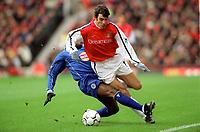 Robert Pires (Arsenal) Frank Sinclair (Leicester CIty). Arsenal 6:1 Leicester City, FA Carling Premiership, 26/12/2000. Credit Colorsport / Stuart MacFarlane.