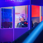 NLD/Amsterdam/20181031 - Boxingstars 2018, 1e aflevering, Maxim Hartman als commentator