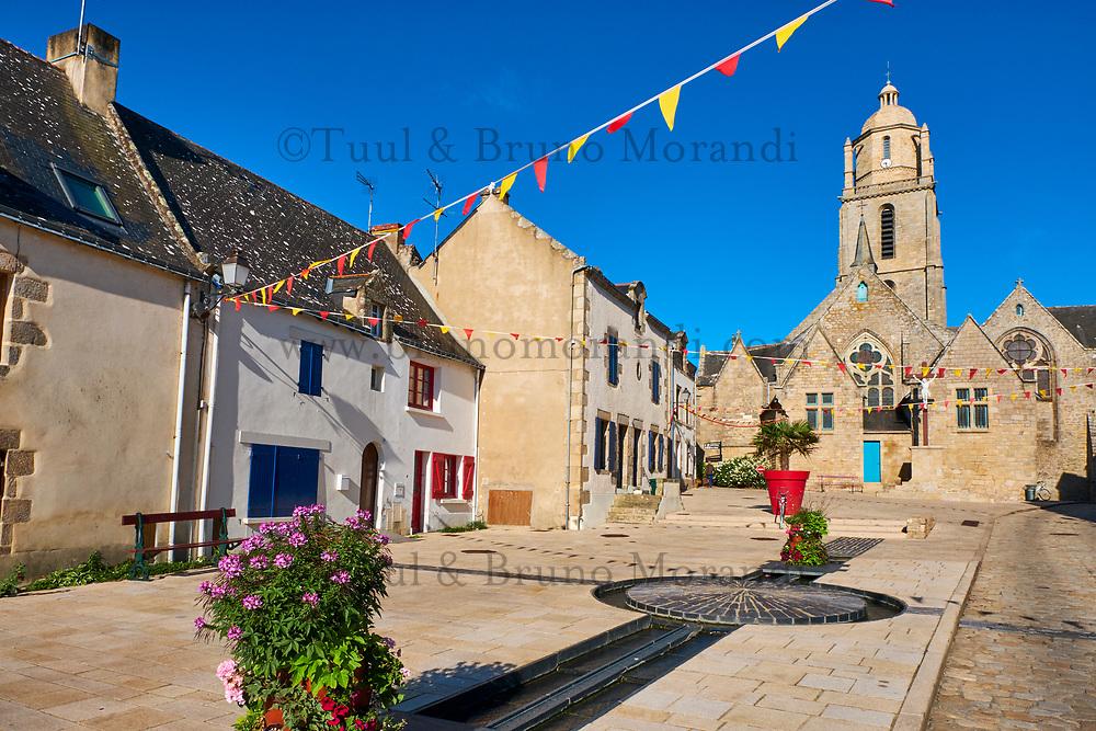 France, Loire-Atlantique (44), Batz-sur-Mer, eglise Saint Guenolé // France, Loire-Atlantique, Batz-sur-Mer, Saint Guénolé church