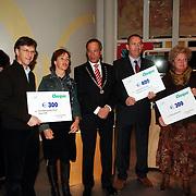 NLD/Huizen/20060105 - Nieuwjaarsreceptie gemeente Huizen met als thema kunst, uitreiking cheque