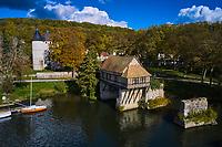 France, Eure (27), Vernon, le vieux moulin sur l'ancien pont sur la Seine // France, Eure (27), Vernon, the old mill on the old bridge over the Seine