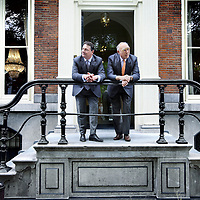Nederland, Amsterdam , 15 juli 2010..Dennis Raithel en Egbert ten Cate van Bank ten Cate op de Herengracht..Bank ten Cate uit Amsterdam, één van de kleinste banken in de stad, heeft een grote slag geslagen. De laatste traditionele zelfstandige bank voor rijke mensen neemt 450 klanten over van het grote Delta Lloyd. .Bank ten Cate in Amsterdam, one of the smallest banks in the city, did a succesfull bit of business. The last traditional independent bank for the rich is taking over 450 customers of the great Delta Lloyd.